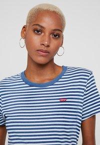 Levi's® - PERFECT TEE - Print T-shirt - raita indigo - 4