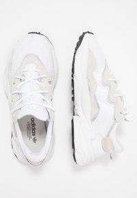 adidas Originals - OZWEEGO - Trainers - ftwwht/ftwwht/cblack - 2