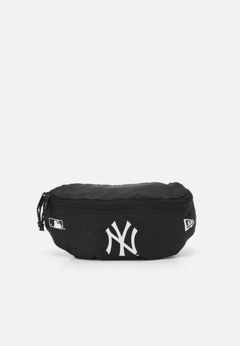 MINI WAIST BAG UNISEX - Bum bag - black/white