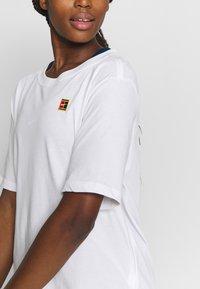 Nike Performance - TEE COURT - Basic T-shirt - white - 5