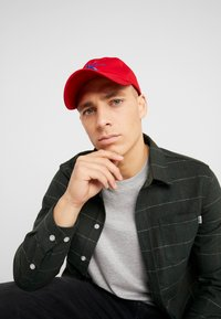 Calvin Klein Jeans - MONOGRAM WITH EMBROIDERY - Cap - red - 1