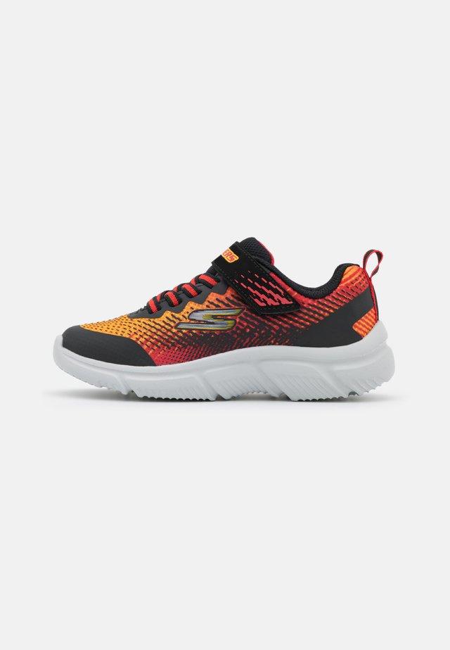 GO RUN 650 NORVO UNISEX - Obuwie do biegania treningowe - black/red/orange