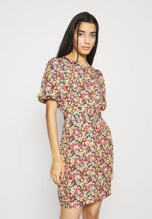 VILABI DRESS - Robe d'été - black/flower