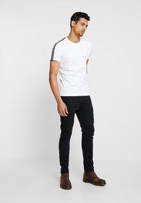 Calvin Klein Jeans - SKINNY - Jeans Skinny Fit - denim - 1