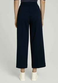 TOM TAILOR DENIM - RELAXED CULOTTE MIT RECYCELTEM - Trousers - dark blue - 2
