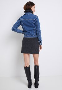ONLY - ONLTIA - Farkkutakki - medium blue denim