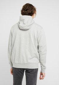 Nike Sportswear - M NSW FZ FT - veste en sweat zippée - grey heather/matte silver/white - 2