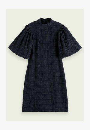 VOLUMINOUS  - Shift dress - night