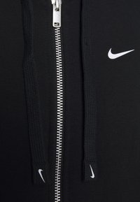 Nike Performance - DRY GET FIT - Sudadera con cremallera - black/white - 2