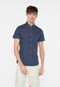 WE Fashion - HERREN-SLIM-FIT-HEMD MIT MUSTER - Shirt - dark blue - 0