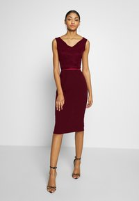 WAL G. - BARDOT BAND MIDI DRESS - Cocktailkjole - wine - 1