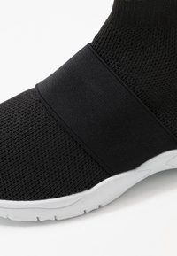 Cotton On - TRAINER - High-top trainers - black - 2