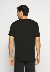 Armani Exchange - JUMPER - T-shirt print - black - 2