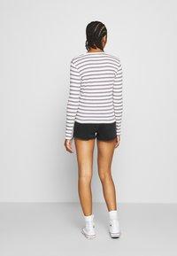 Levi's® - BABY TEE - Long sleeved top - berimbao lavender frost - 2