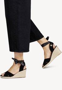 Tamaris - Wedge sandals - black uni - 0