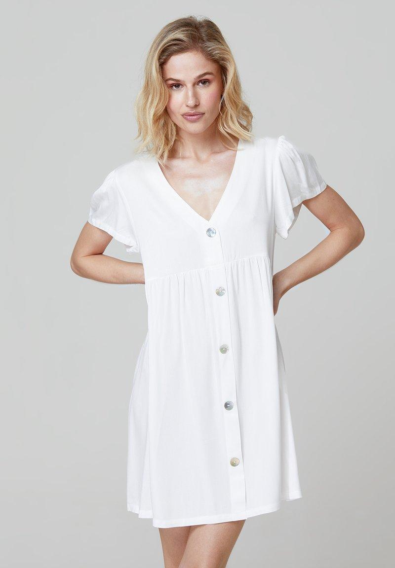 FELIPE ALBERNAZ - MIA FLARED - Shirt dress - white