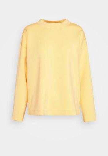 CREW NECK - Long sleeved top - honey popcorn