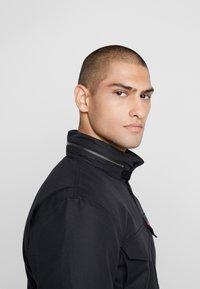 Levi's® - SHERPA FIELD - Light jacket - black - 4