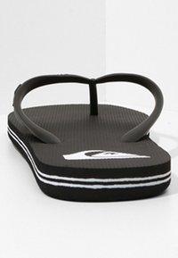 Quiksilver - QUIKSILVER™ MOLOKAI - SANDALEN FÜR MÄNNER AQYL100601 - Pool shoes - black/white - 3