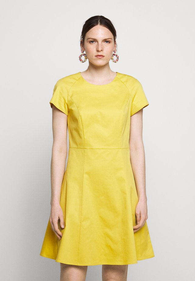DISPARI - Day dress - sunshine yellow