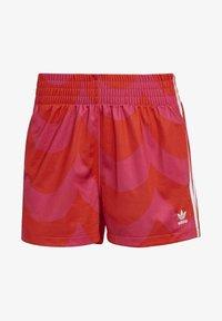 vivid red/team real magenta