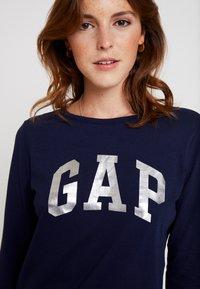 GAP - ARCH TEE - Langærmede T-shirts - navy uniform - 4