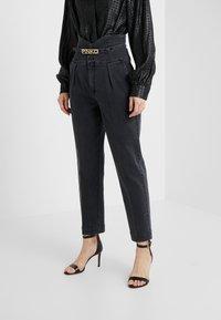 Pinko - ARIEL BUSTIER COMFORT - Slim fit jeans - black - 0