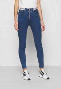 Calvin Klein Jeans - HIGH RISE SUPER SKINNY - Jeans Skinny Fit - dark blue - 0