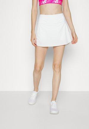 RUN WITH IT SKORT - Rokken - bright white