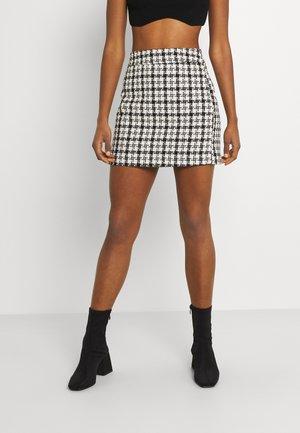 VICANIL SHORT SKIRT - Minikjol - white/black