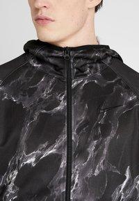 Nike Performance - SPOTLIGHT HOODIE FULL ZIP MARBLE - Verryttelytakki - black/black - 4