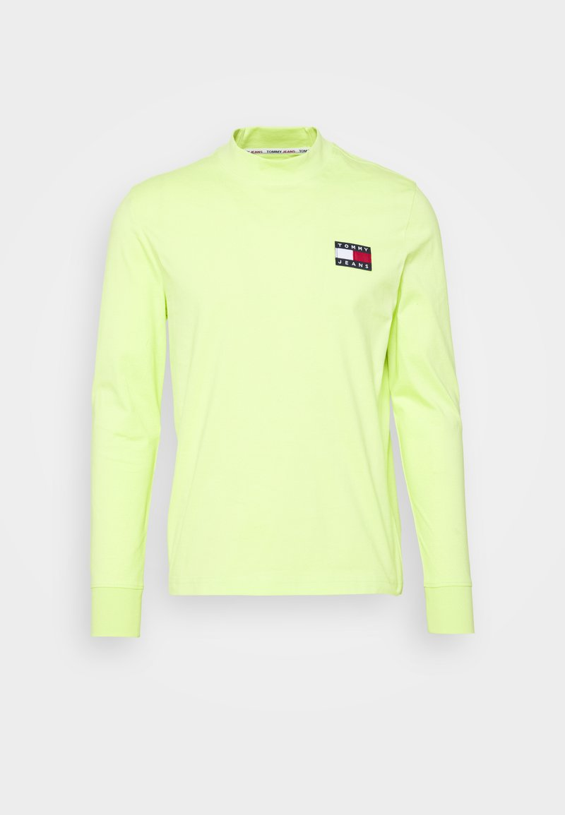 Tommy Jeans - BADGE MOCK NECK LONGSLEEVE UNISEX - Long sleeved top - faded lime