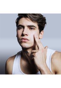 L'Oréal Men Expert - HYDRA SENSITIVE BIRCH SAP CARE 50ML - Face cream - - - 4