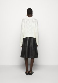 Proenza Schouler White Label - CABLE BUTTON BACK - Cardigan - ivory - 2