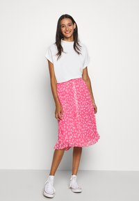 Tommy Jeans - PLEATED BUTTON THRU SKIRT - A-line skirt - glamour pink - 1