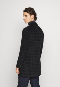 Isaac Dewhirst - CHECK OPTION - Classic coat - dark blue - 2