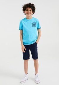 WE Fashion - 2 PACK - T-shirt con stampa - light blue - 0