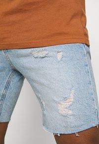 Cotton On - STRAIGHT SHORT - Farkkushortsit - vintage blue - 5
