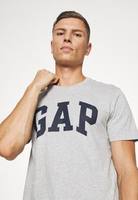 GAP - BASIC LOGO - Print T-shirt - light heather grey - 3