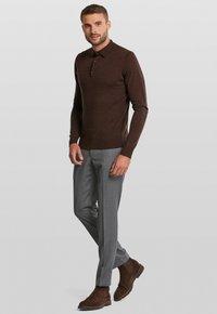 Van Gils - LONGSLEEVE - Polo shirt - dark brown - 1
