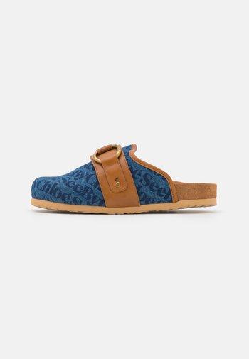 GEMA - Pantofle - medium blue