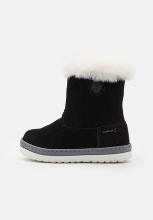 GRETA UNISEX - Snowboots  - black