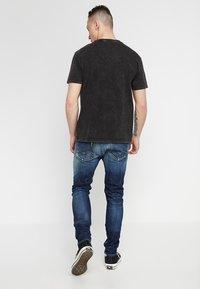 Replay - JONDRILL - Slim fit jeans - medium blue - 2