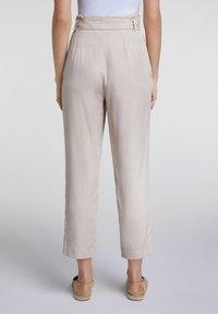 Oui - UTILITY STYLE - Trousers - light stone - 2