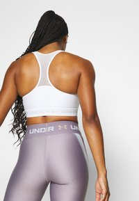 Under Armour - MID CROSSBACK BRA - Urheiluliivit - white - 2