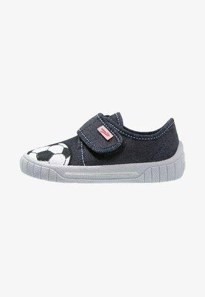 BILL - Domácí obuv - water