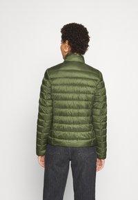 Marc O'Polo - JACKET REGULAR LENGTH WITH STAND UP COLLAR  - Zimní bunda - lush pine - 2