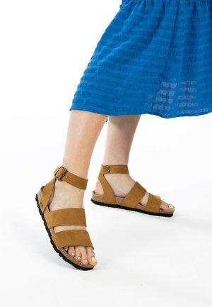SORIA - Sandalen met enkelbandjes - tan