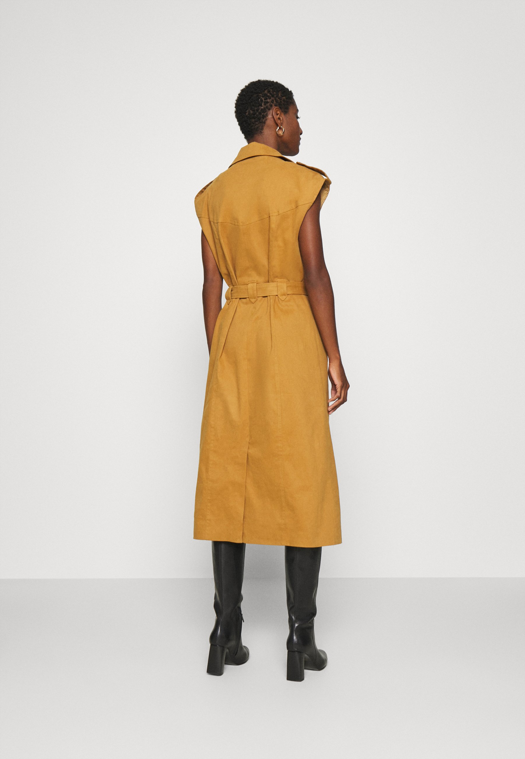Gestuz BANI DRESS Blusenkleid rubber/braun