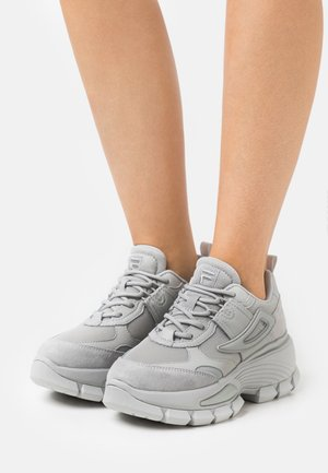 CITY HIKING - Trainers - gray violet